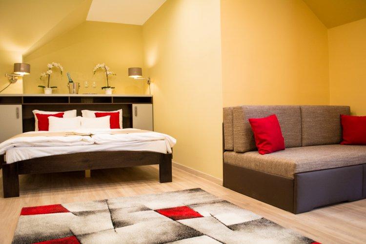 Hotel MeDoRa*** kétágyas szoba kanapéval